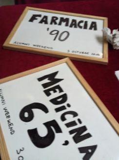 Carteles pizarras promociones medicina farmacia Alumni Weekend